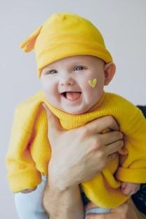 超可爱大眼婴儿图片壁纸