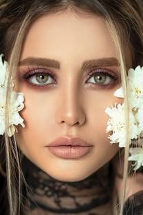 欧美丰满美女模特图片壁纸