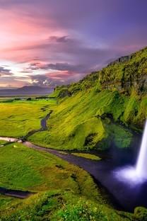 美丽的山间小溪风景图片壁纸