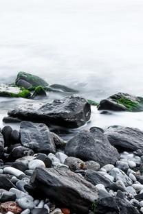 美丽的山间小溪风景图片壁纸2