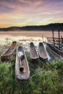乘风破浪的小船美景图片壁纸