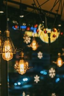 唯美闪亮的灯光高清图片壁纸