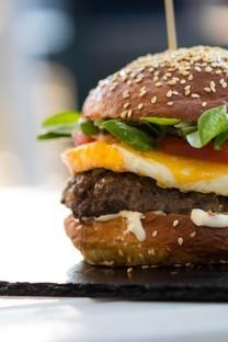 好吃的可口汉堡包图片壁纸
