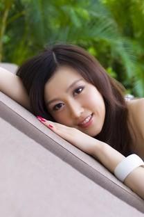 美女模特赵芸萱 安卓壁纸
