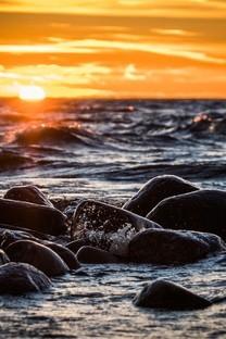 海面上的夕阳唯美风景图片壁纸