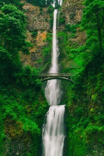 瀑布高清自然风景图片壁纸