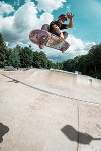 滑板运动高清图片壁纸