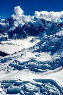皑皑雪山美景高清桌面壁纸