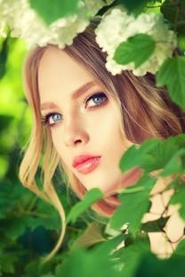 清纯美少女室外小清新性感写真图片壁纸