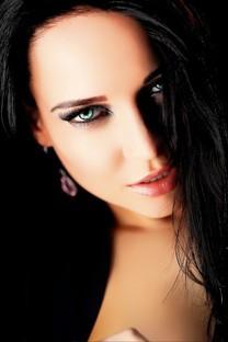 青春洋溢甜美白皙美女写真图片壁纸