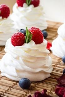 看起来很美味的小蛋糕图片壁纸