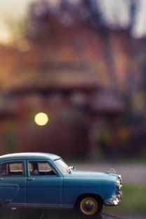 可爱精致的玩具汽车图片壁纸