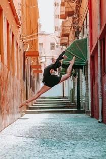 跳舞的姑娘最好看手机图片壁纸