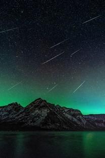 好看夜景唯美璀璨星空图片壁纸2