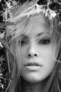 美艳女神性感写真图片壁纸