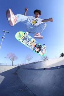 酷炫滑板少年高清图片壁纸