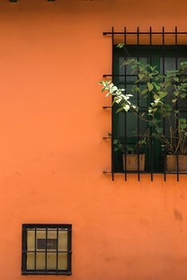歐美小鎮特色門窗圖片壁紙