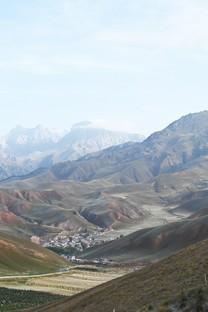 青海卓尔山壮观风景图片壁纸
