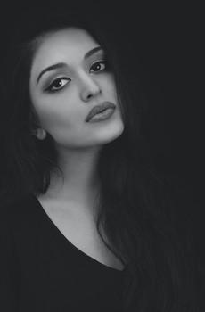 黑白照美女图片壁纸