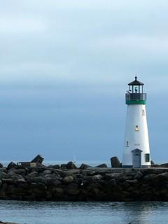 海边灯塔手机壁纸