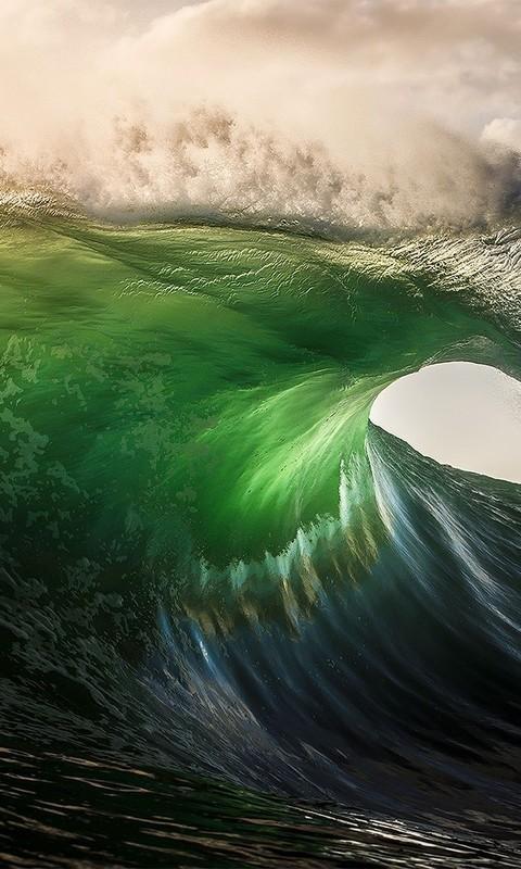 好看的壮观海浪壁纸