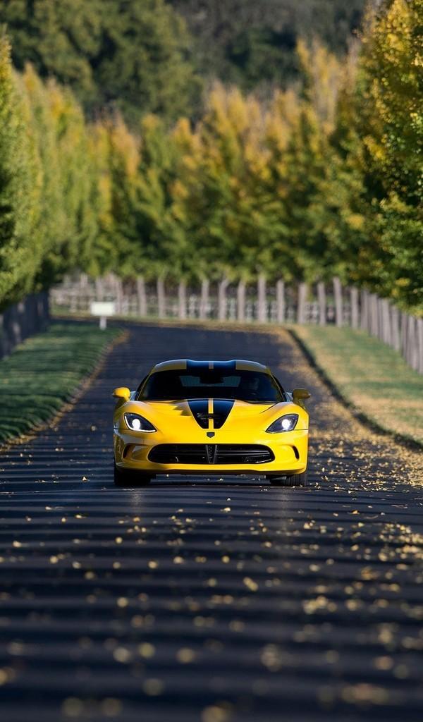 黄色超级跑车图片壁纸