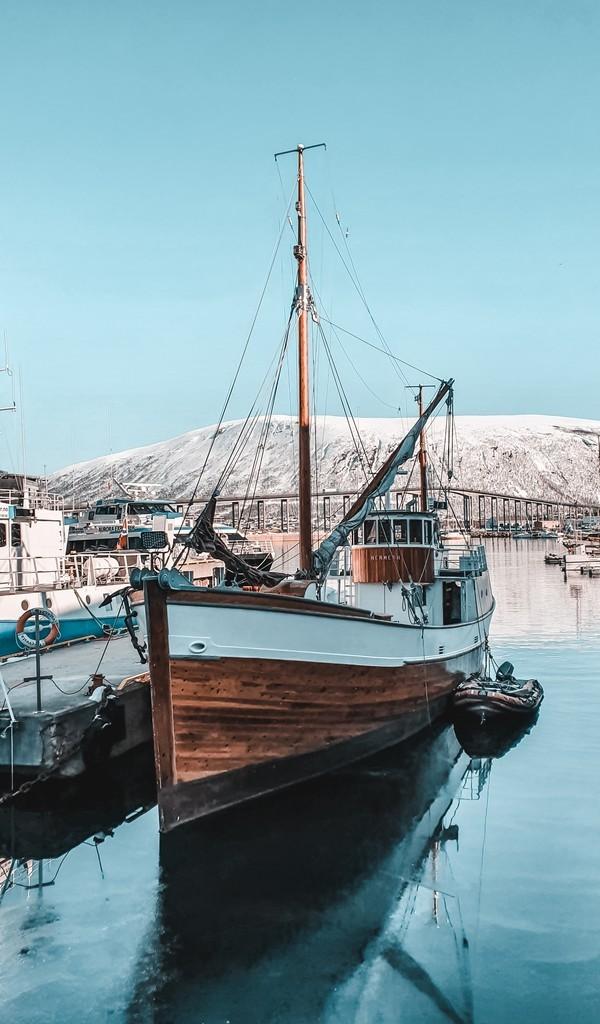 帆船与大海的图片壁纸