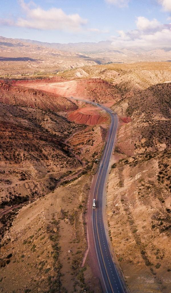 蜿蜒的公路风光图片壁纸
