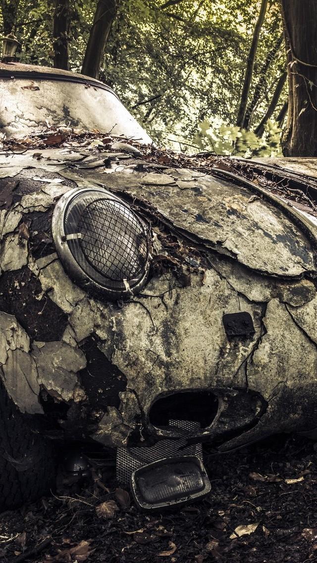 非主流汽车的报废颓废图片壁纸4
