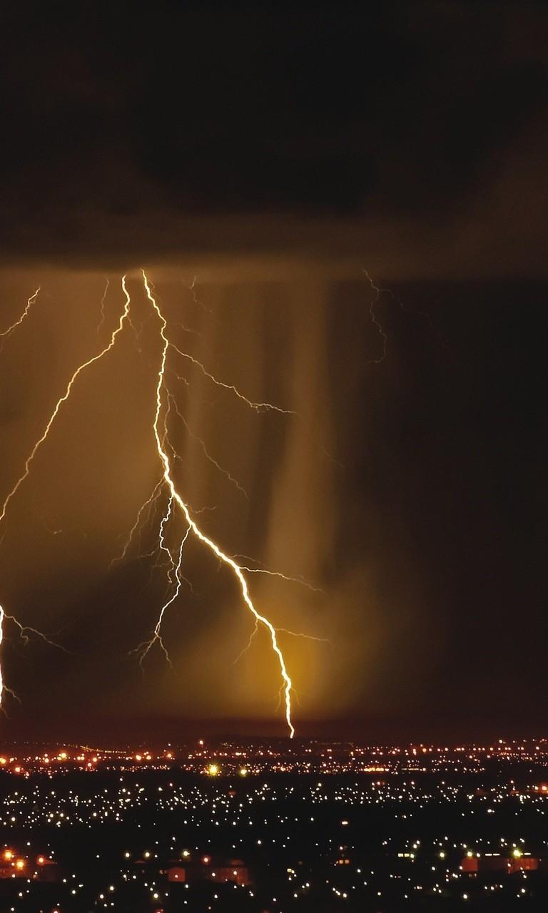 极端天气闪电带来的图片震撼感