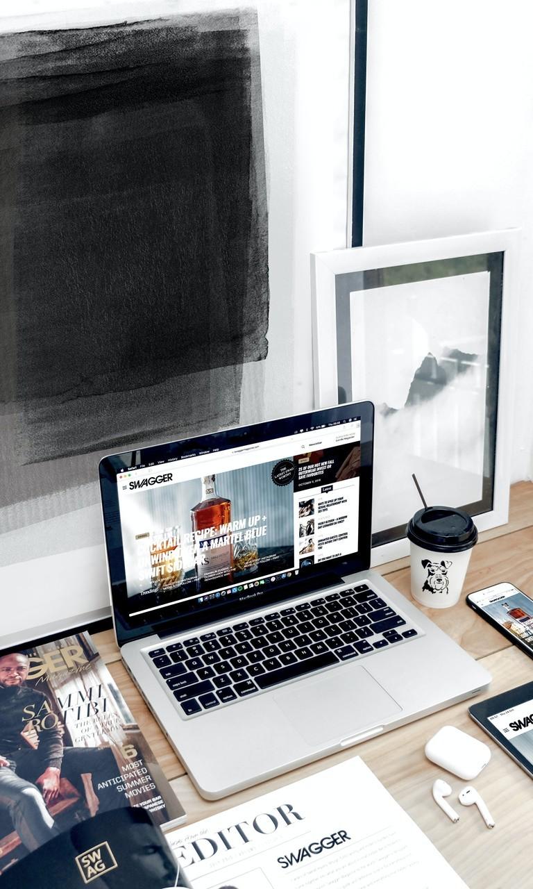 电脑桌和桌面图片壁纸